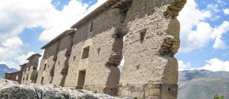 ruina-del-templo-de-wiracocha-raqchi-templo-de-viracocha-49784067