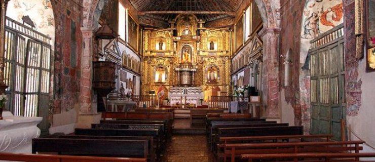 tour-valle-sur-cusco-andahuaylillas-templo-interior-800x600